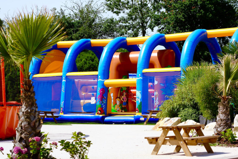 Jeux gonflables Camping Les Iles HUDIMESNIL NORMANDIE